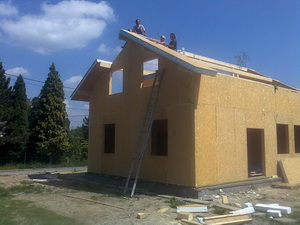 Montáž panelů střechy